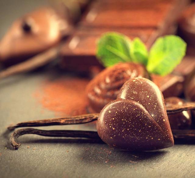 简单易学DIY巧克力 让每个节日都能甜到Ta的心里