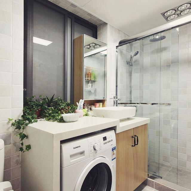 看家居达人是将洗衣机放卫生间好还是阳台好?看完知道我家错了!
