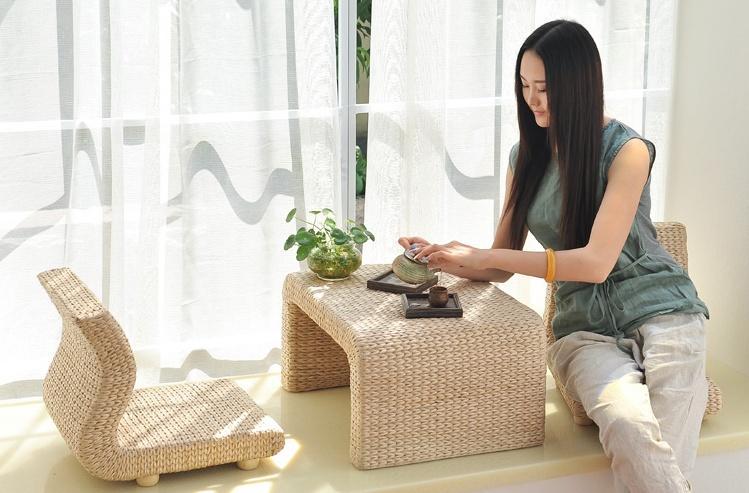 飘窗上的小小空间,也能打造成温馨舒适的休闲区